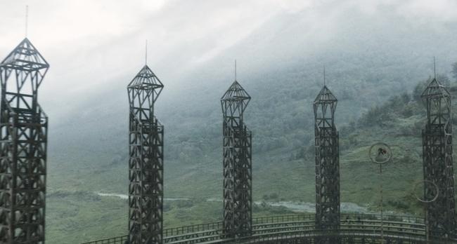 QuidditchPitch_WB_F6_QuidditchPitchAndStands_Still_080615_Land