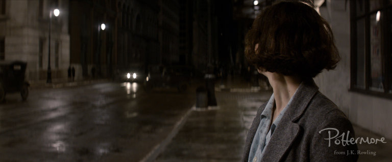 Porpentina_Goldstein_on_street_Fantastic_Beasts_CC_Trailer_WM