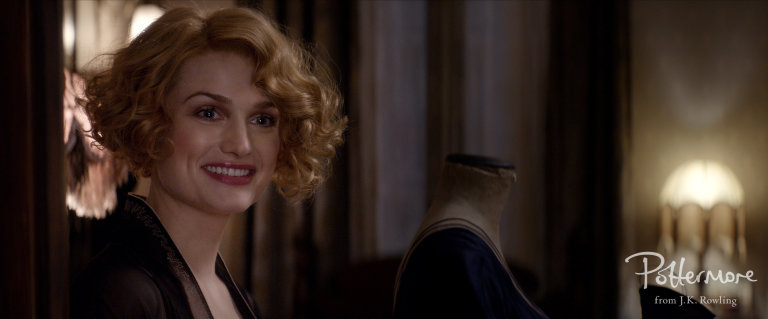 Queenie_smiling_Fantastic_Beasts_CC_Trailer_WM