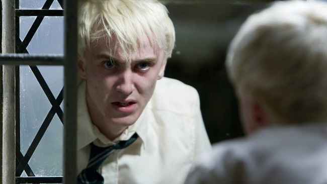 DracoMalfoy_WB_F6_EmotionalDracoLookingInMirror_Still_080615_Land