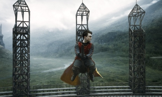 HarryPotter_WB_F6_HarryPotterSeekerQuidditch_Still_100615_Land
