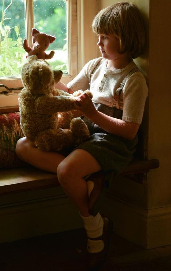 christopher-robin-winnie-the-pooh