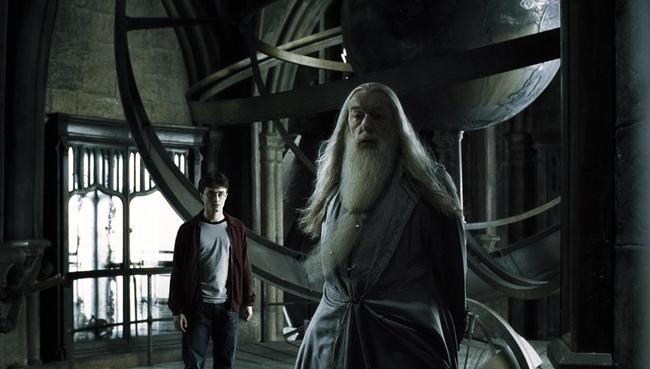 harry-dumbledore-astronomi-kulesinde
