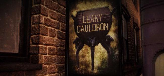 https://fantastikcanavarlar.com/wp-content/uploads/2017/08/catlak-kazan-leaky-cauldron.jpg